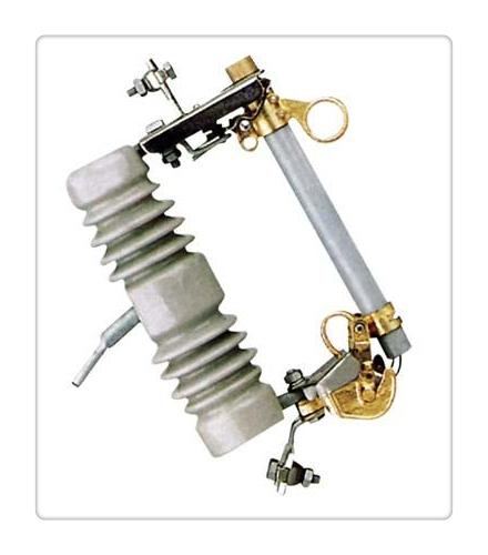 跌落原理: 熔断器靠安装板固定在安装架上,熔断器在运行时串联在电力