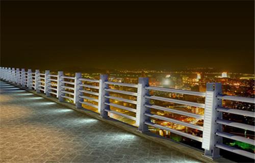 人行道隔离栏杆生产厂家河道护栏生产成都护栏经销商